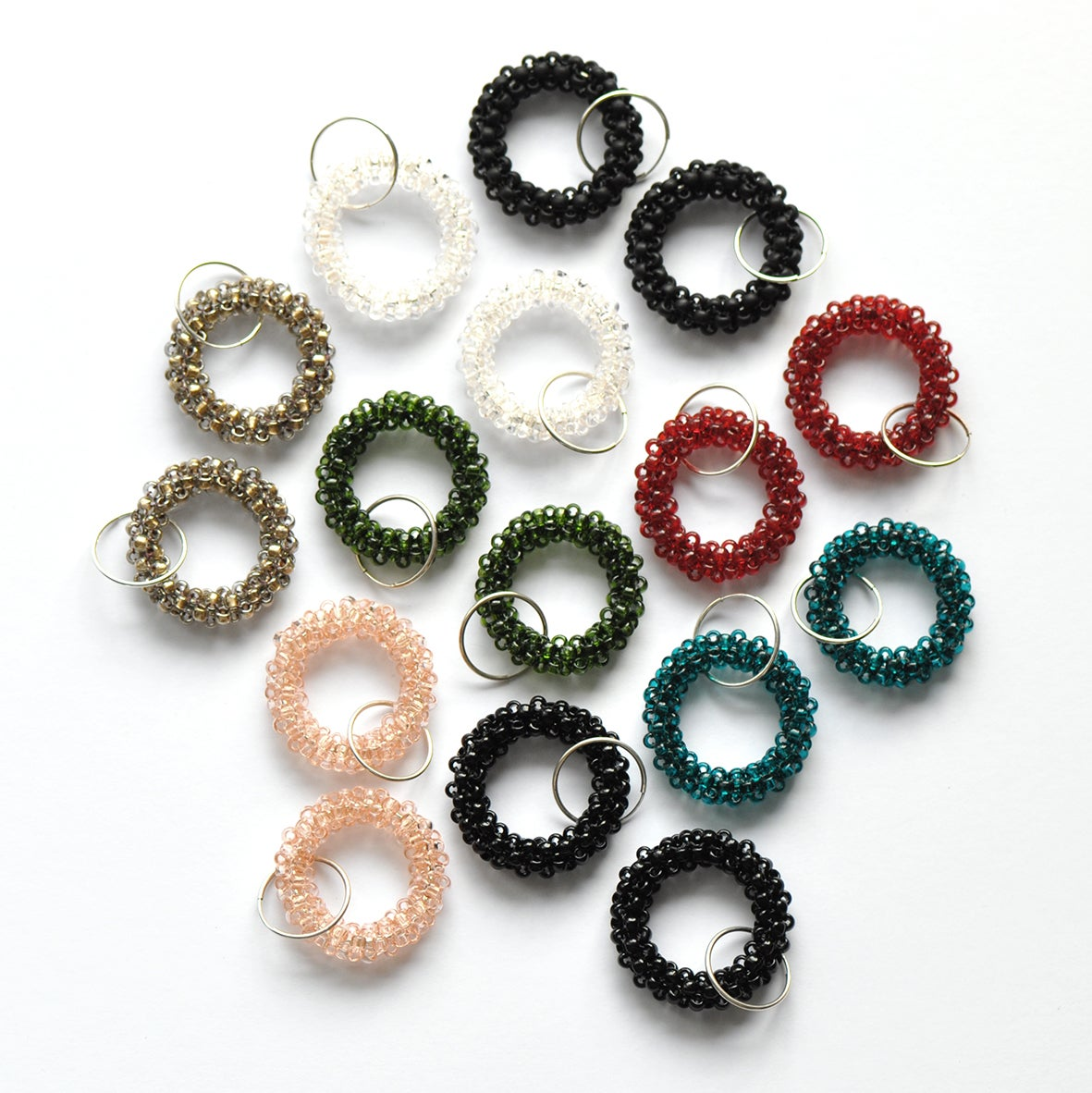 Image of BASIC small hoop earrings