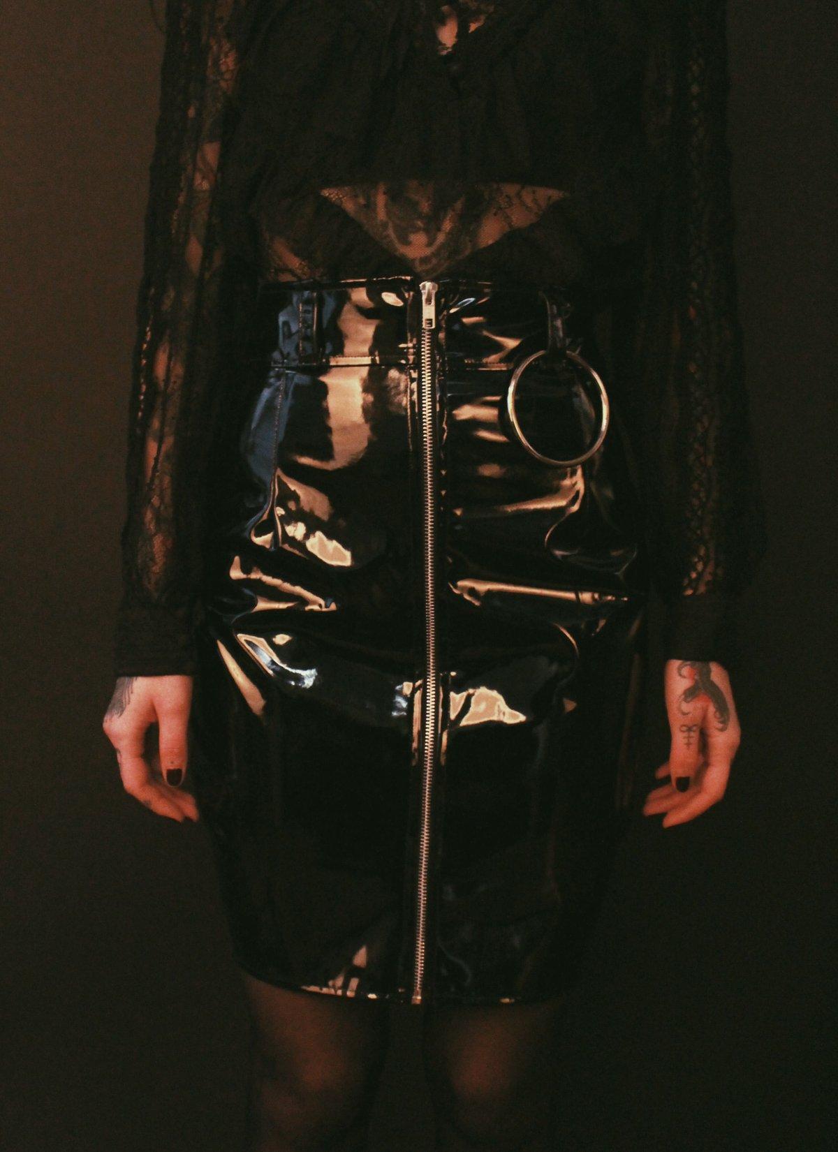 Gwendoline skirt glossy black pvc