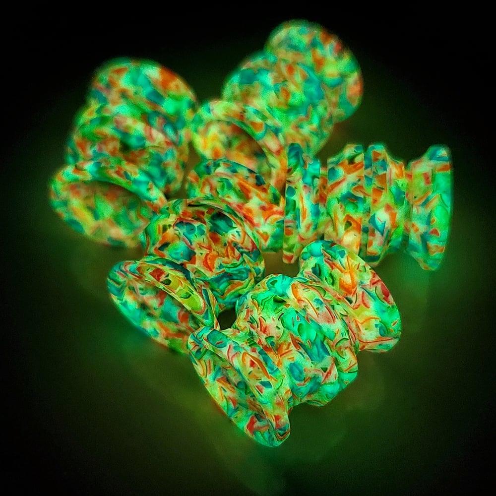 Image of Large Green Glowfetti Bead
