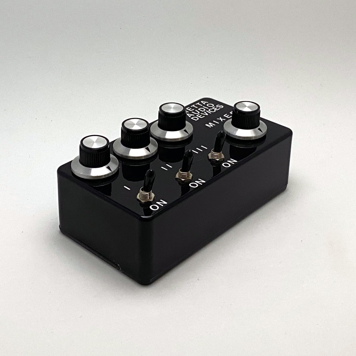 Image of Metta Mixer / 3 Channel Passive Instrument Summing Mixer