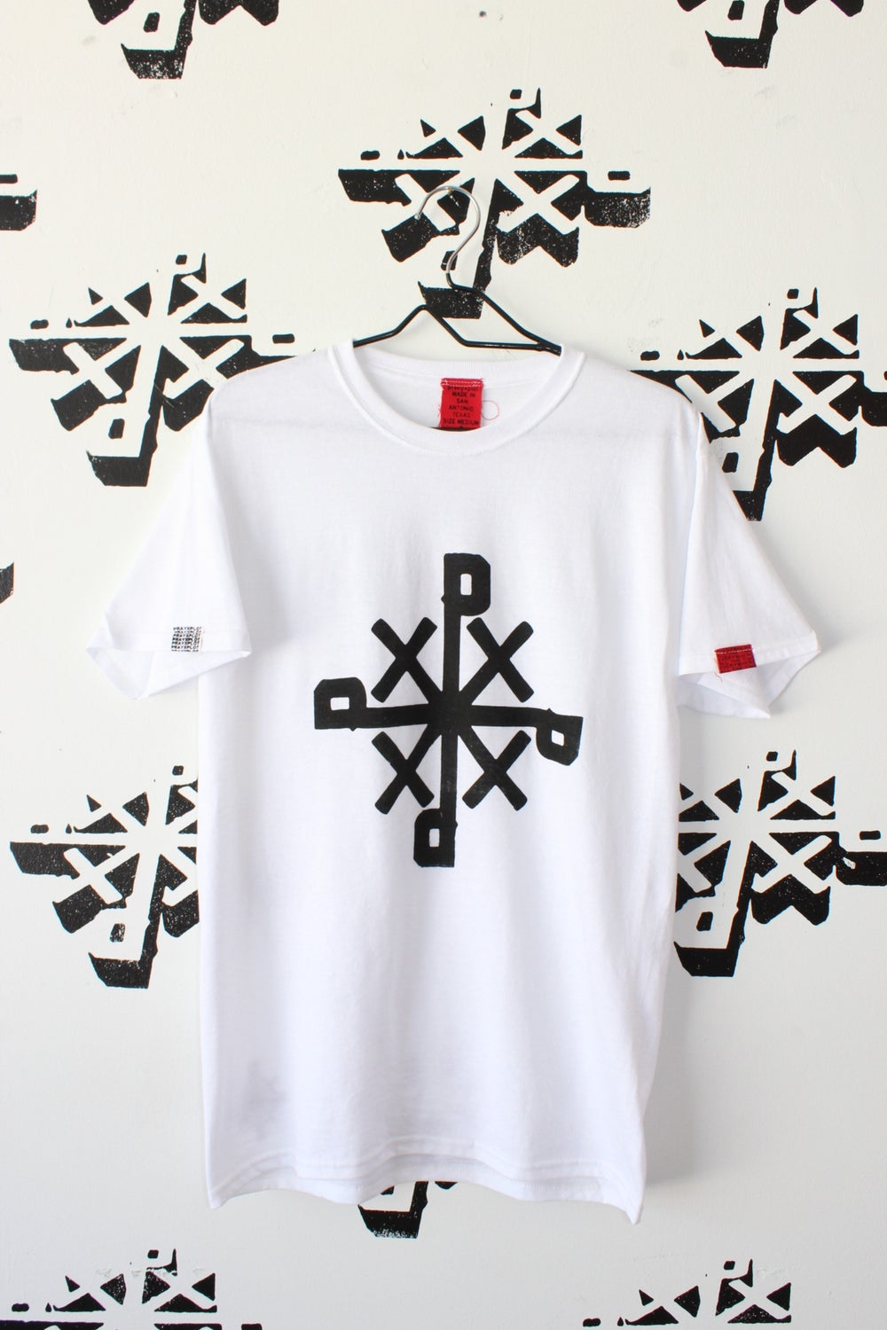 this right here tee in white