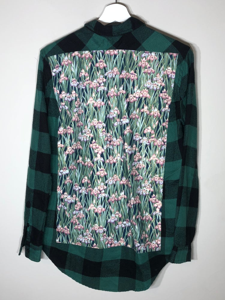 Image of Floral themed buttom up