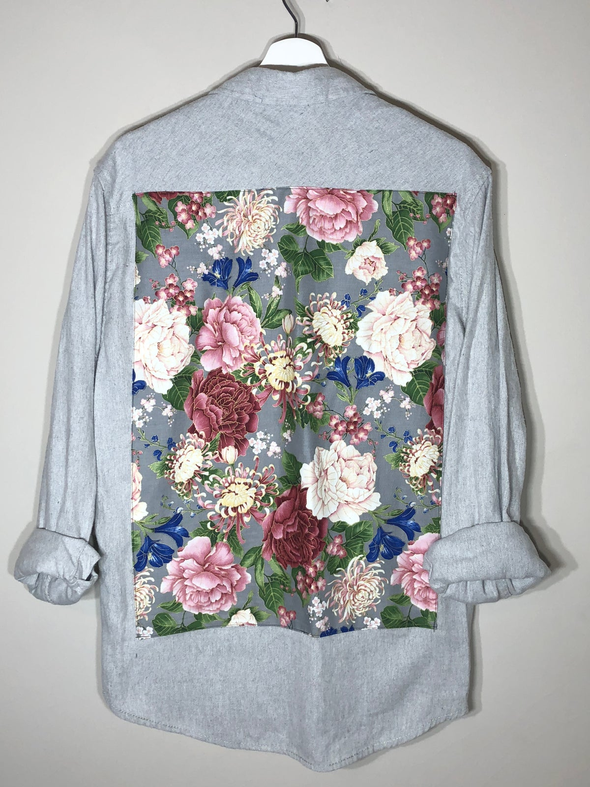Image of Floral grey button up
