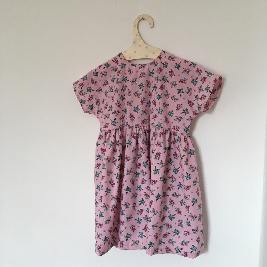 Summer Rosa Dress-rose vintage flowers