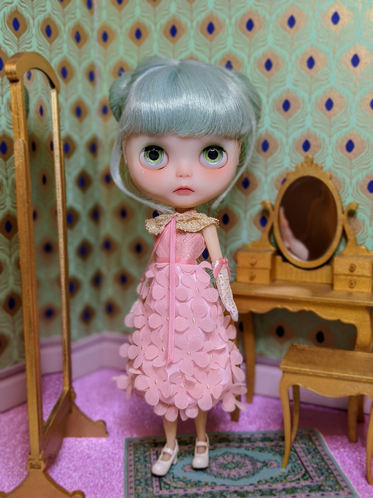 Image of Lounging Linda ~ Pretty Posie Dress Set for Blythe and Cherry