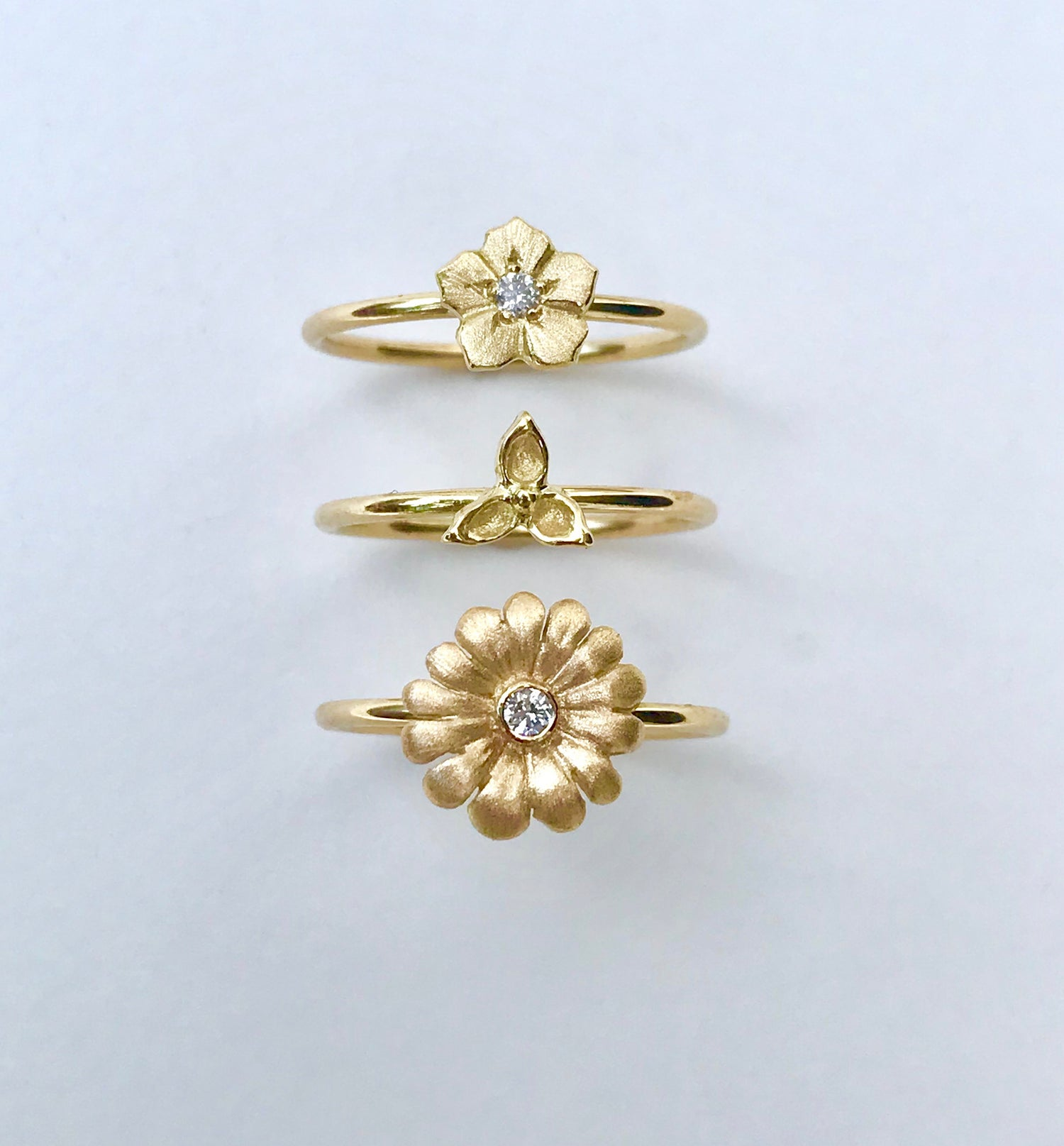 Image of 18K Gold Flower Ring