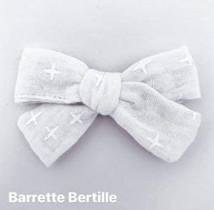 Image of Barrette double gaze bleu marine pastilles dorées