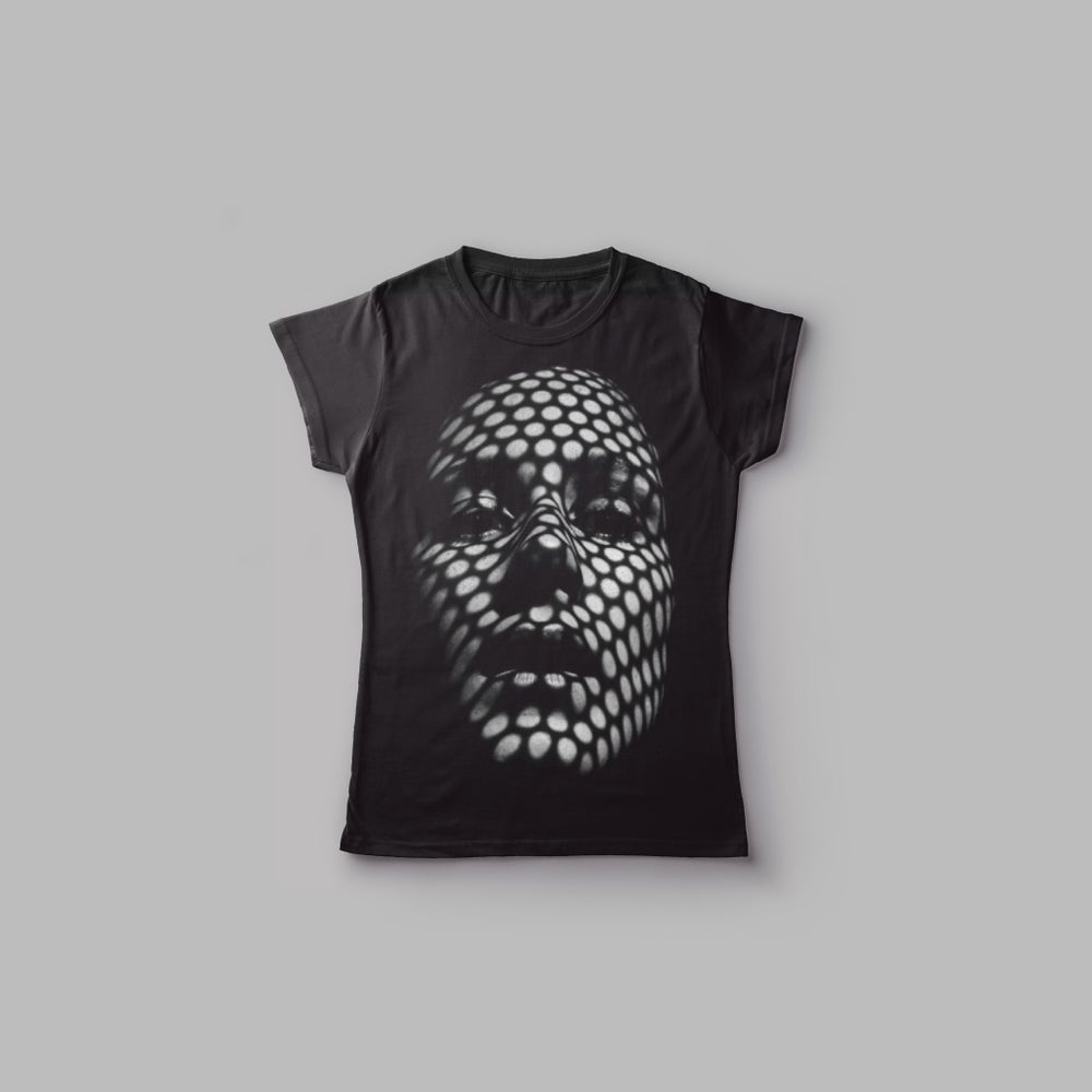 "Image of Camiseta chicA ""La Reina"""