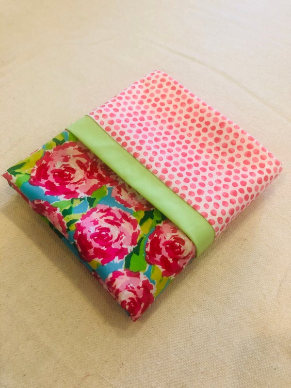 Image of Pink flowers and dots pillowcase