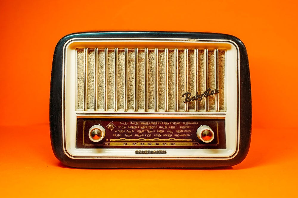 Image of TELEFUNKEN BABYSTAR (1957) RADIO D'EPOCA BLUETOOTH