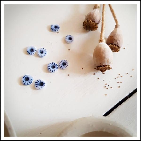 Image of Porcelain Studs - Poppy
