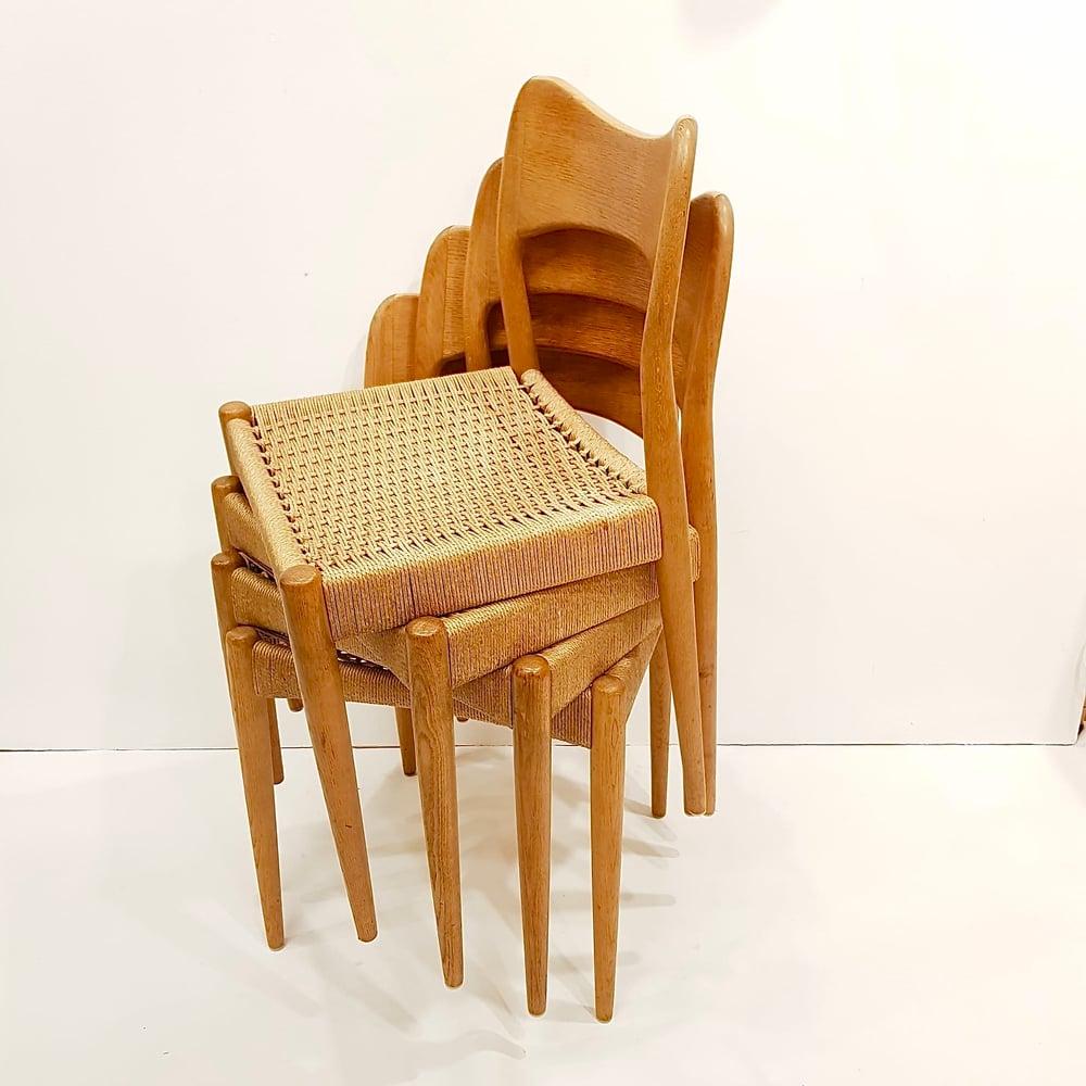 Image of Sillas de roble y cuerda de papel, años 50.