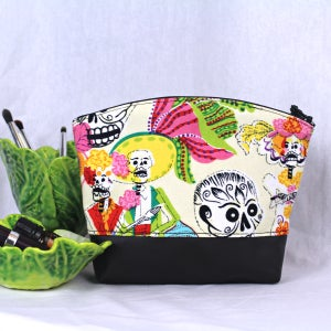 Image of Curved Purse - Mexican Festival 2