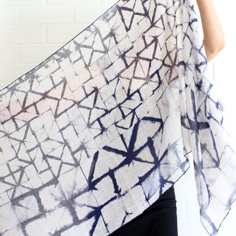 Image of Paper Print Cotton Indigo/off whit