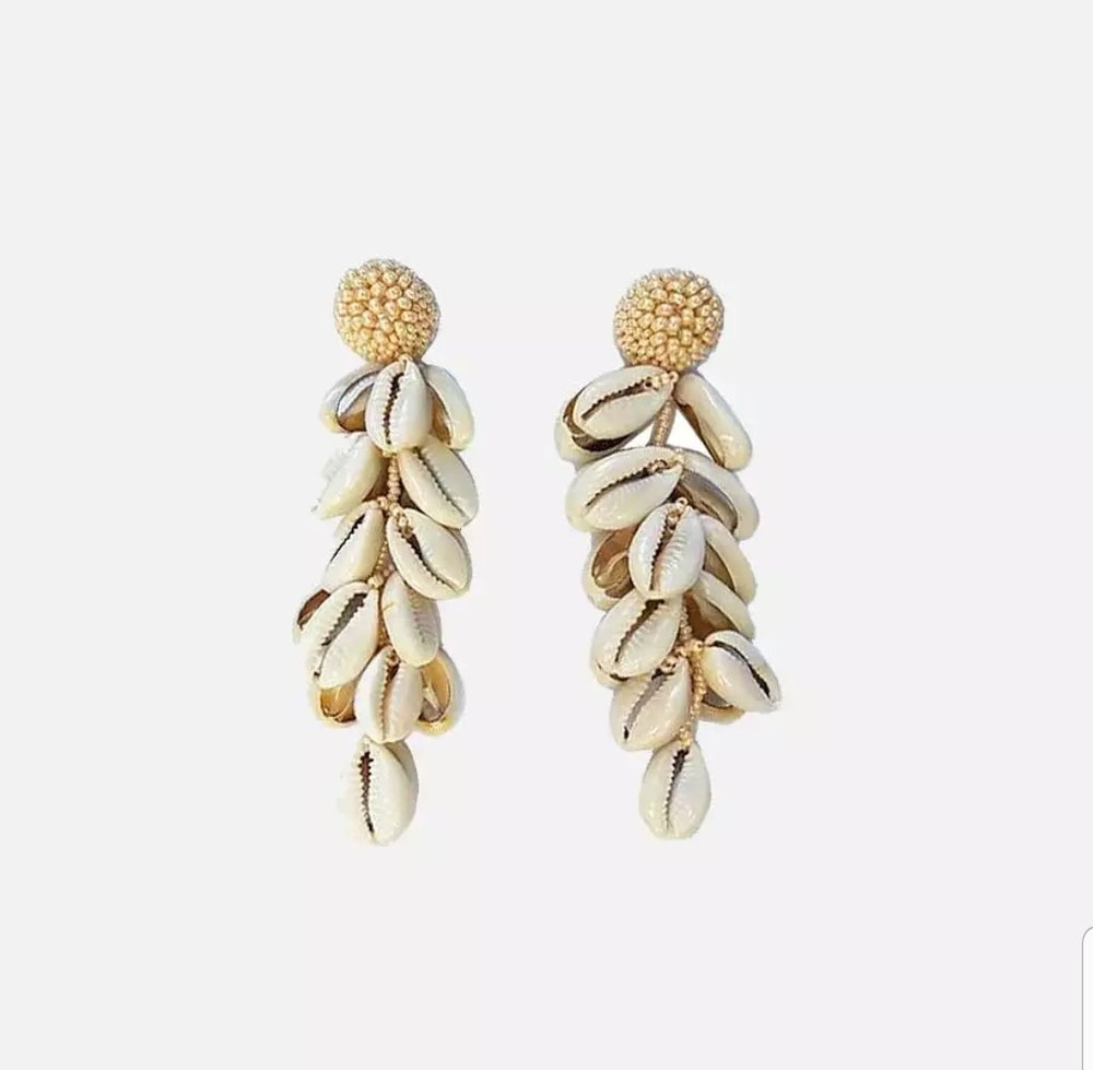 Image of TASSELED SHELL- EARRINGS