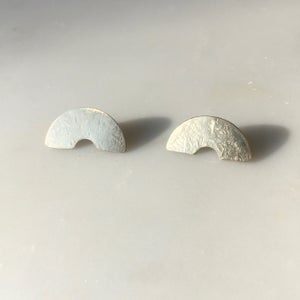 Image of bend earring