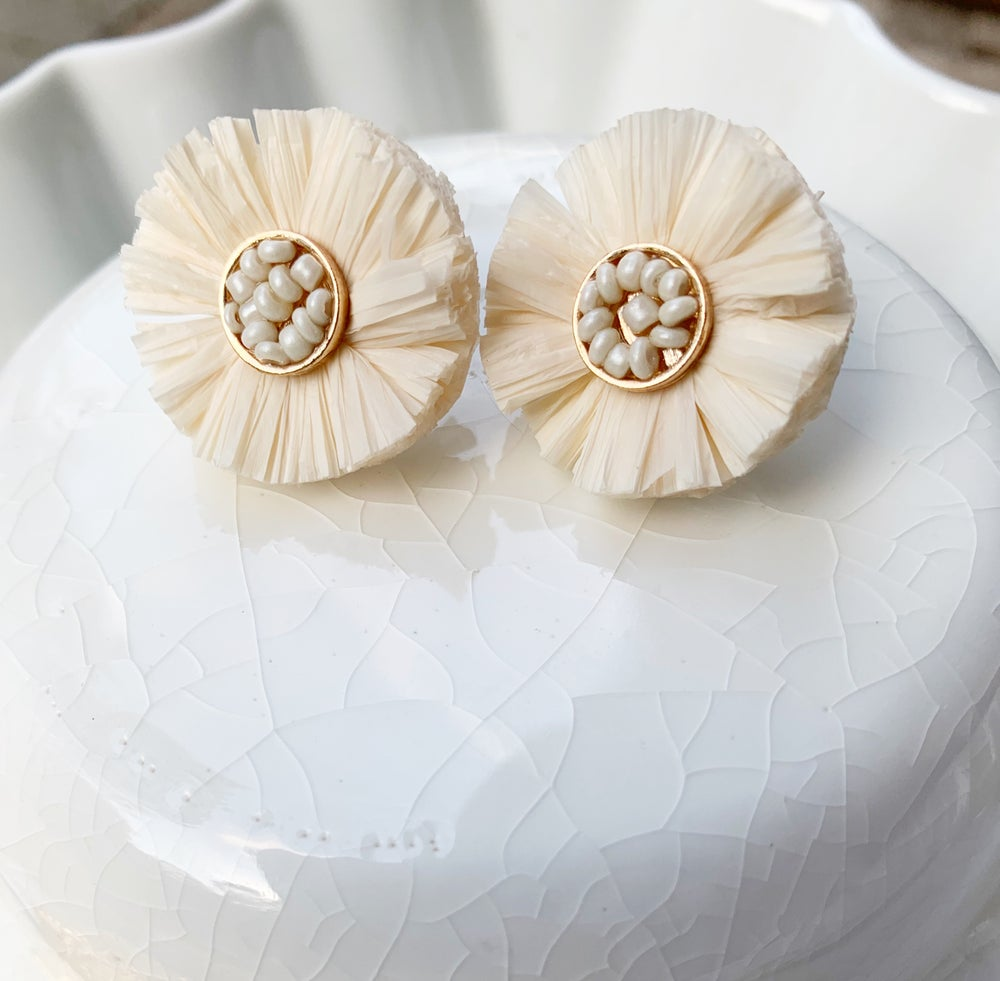 Image of Cream Ruffle Earrings