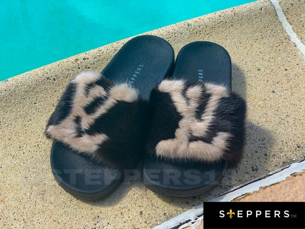 Image of LUXURY STEPPERS