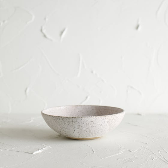 Image of Matte white bowl 4