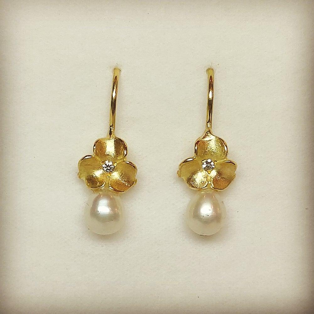 Beeld van 18k diamonds pearls - 25% off with code