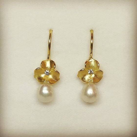 Beeld van 18k diamonds pearls - 25% off with code