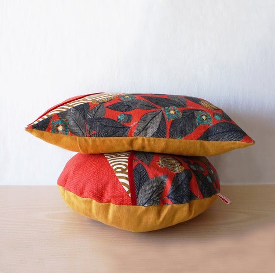 Image of Coussin VAGUE / Coussin ROND - Vermillon