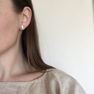 Image of mini spade earring