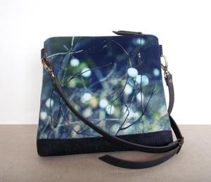 Image of Velvet shoulder bag with crossbody leather strap, snowberries