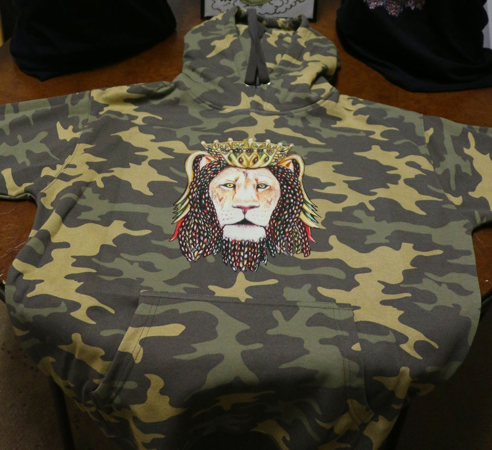 Image of Lion Crown Camo