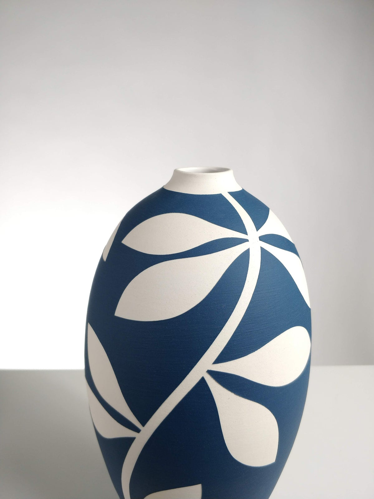 Image of Large Sea Blue & White Leaf Vessel