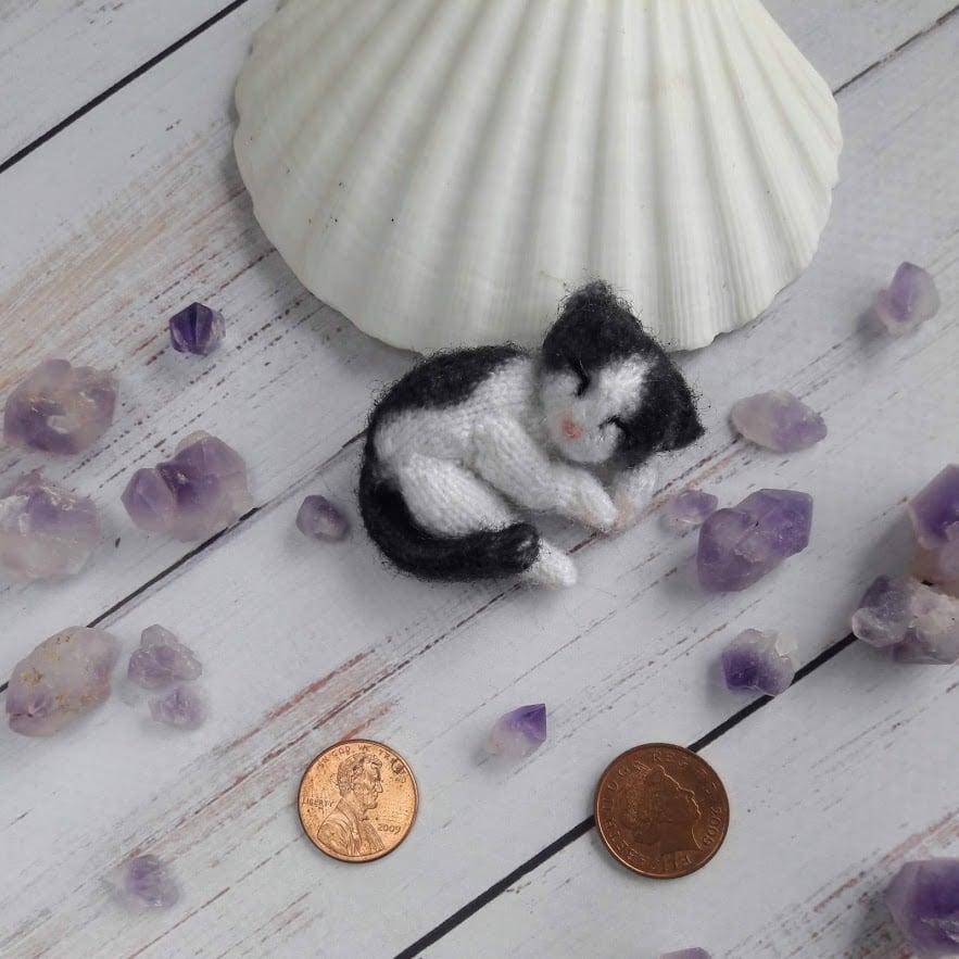 Image of Tuxedo black sleeping cat brooch