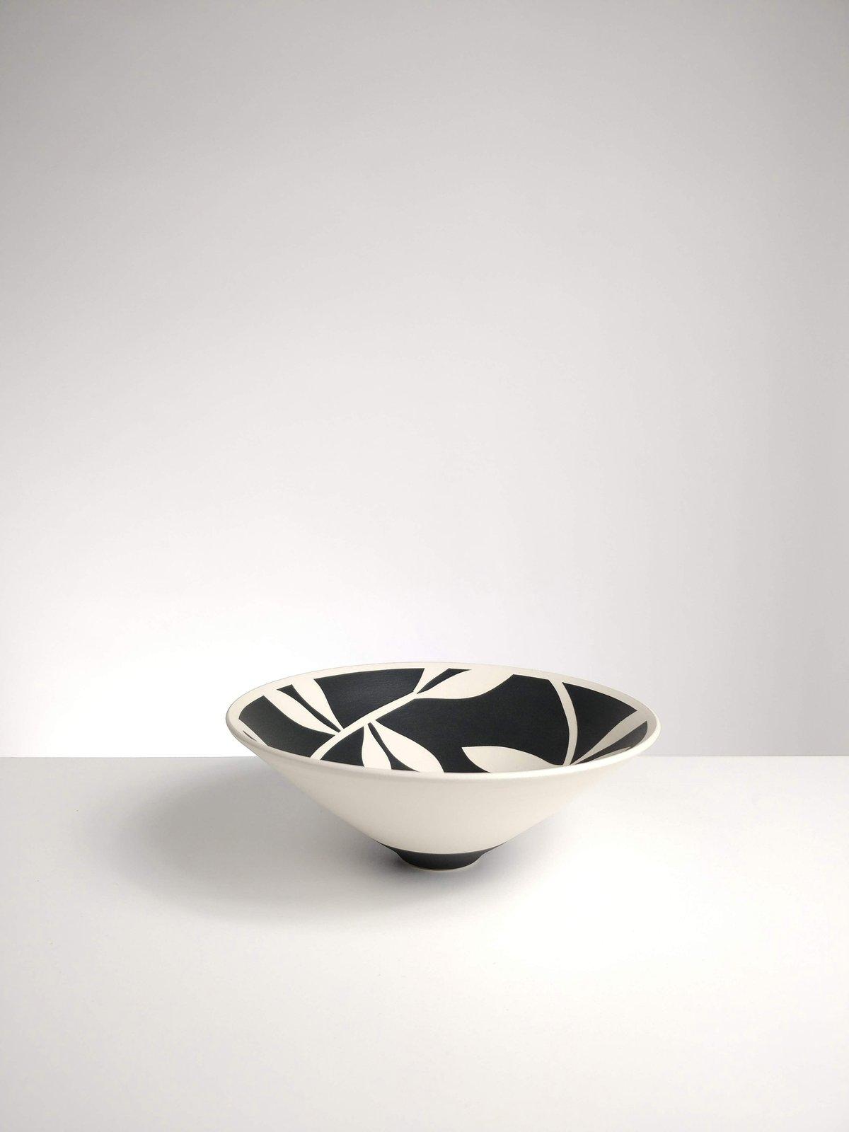 Image of Mini Black & White Leaf Bowl