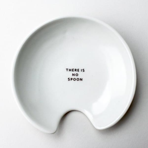 Image of spoon holder, the matrix, ivory