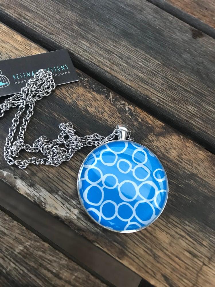 Image of Resinate pendant- Blue circle