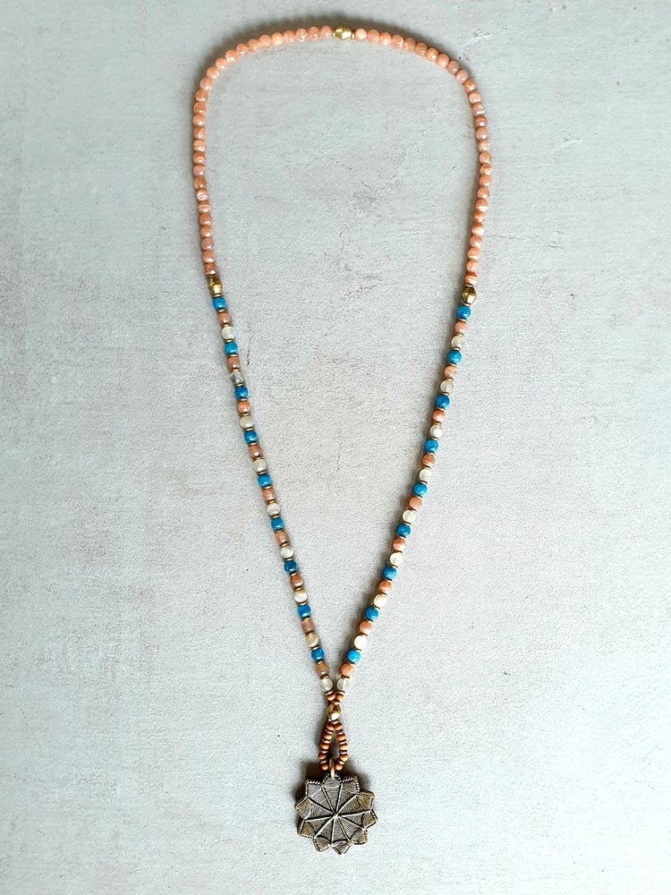 Image of 'SOOTH' MALA NECKLACE - Moonstone - Apatite - Brass - Sandalwood