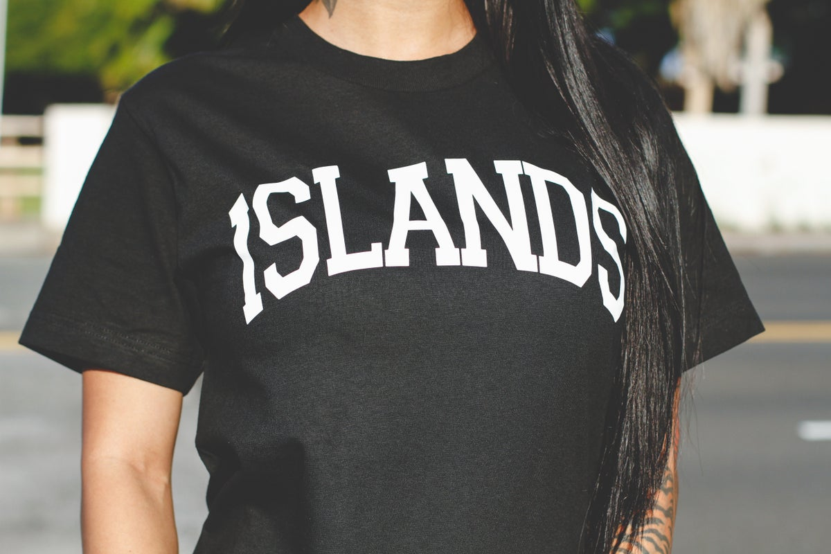 ISLANDS Tee (Black/White)