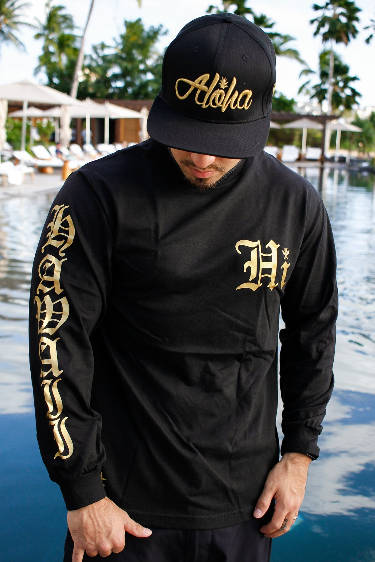 Hawaii Old English Longsleeve (Black/Gold)