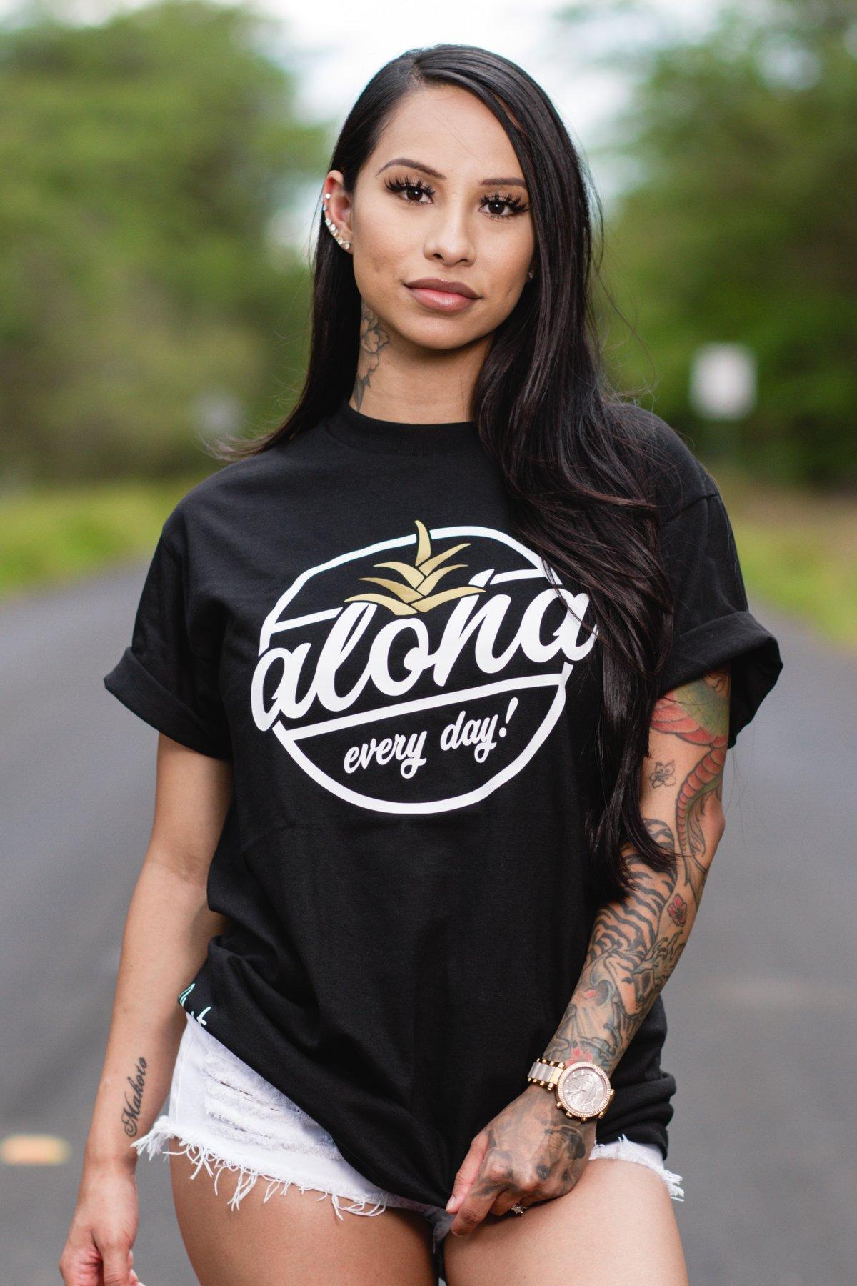 Aloha Every Day! Tee (Black/White/Gold)