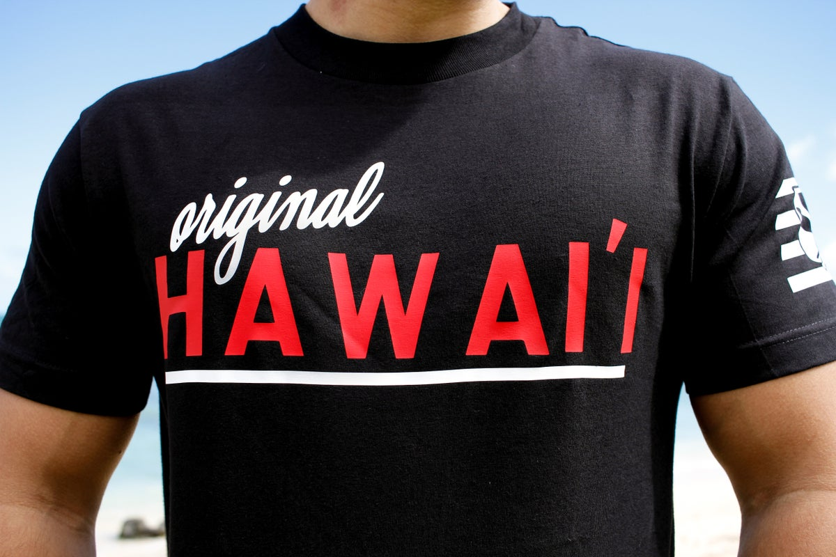 Original Hawai'i Tee (Black/Red)