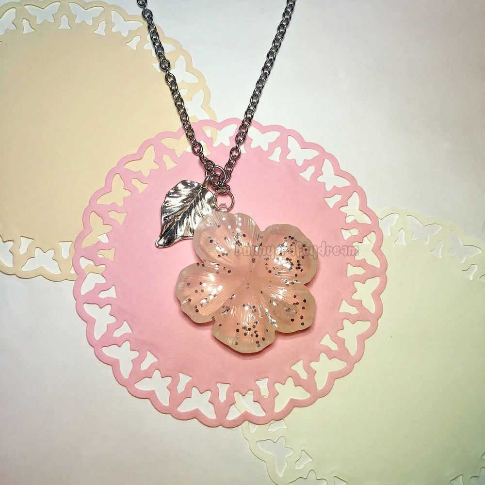 Image of CUSTOM Gal Hibiscus Necklace