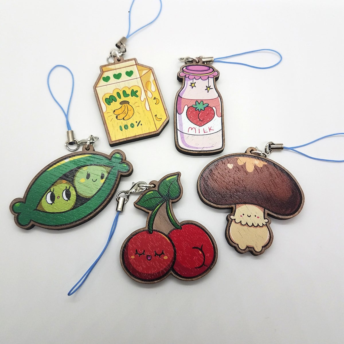"Image of 2"" Wooden charms"