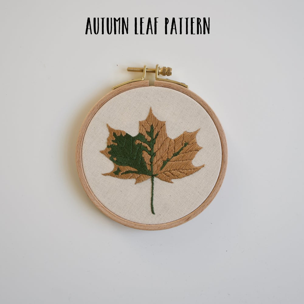 Image of Autumn leaf PATTERN