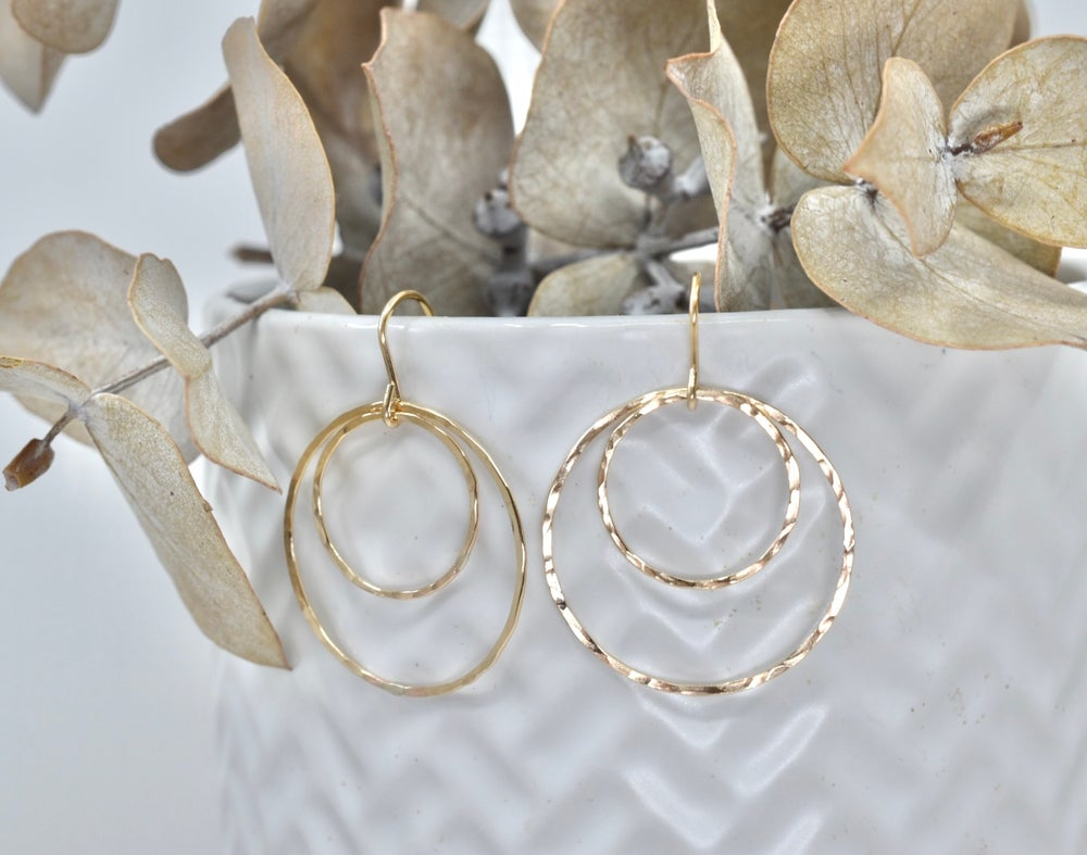 Image of Doppio Loop Earrings