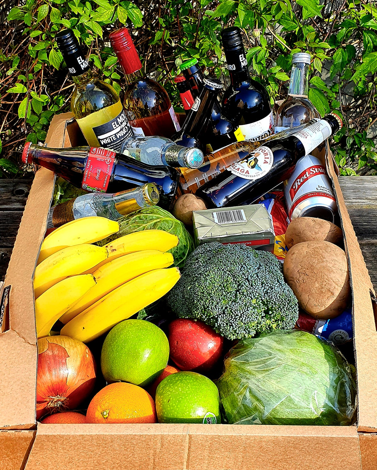 FOOD & DRINKS BOX COLLECT