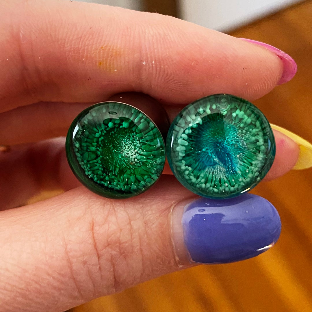 Image of 9/16 Teal/Green Inky Plugs