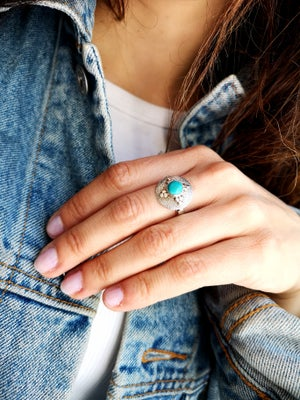 """Image of Bague turquoise du Tibet """"chapeau chinois""""- taille 56 -"""