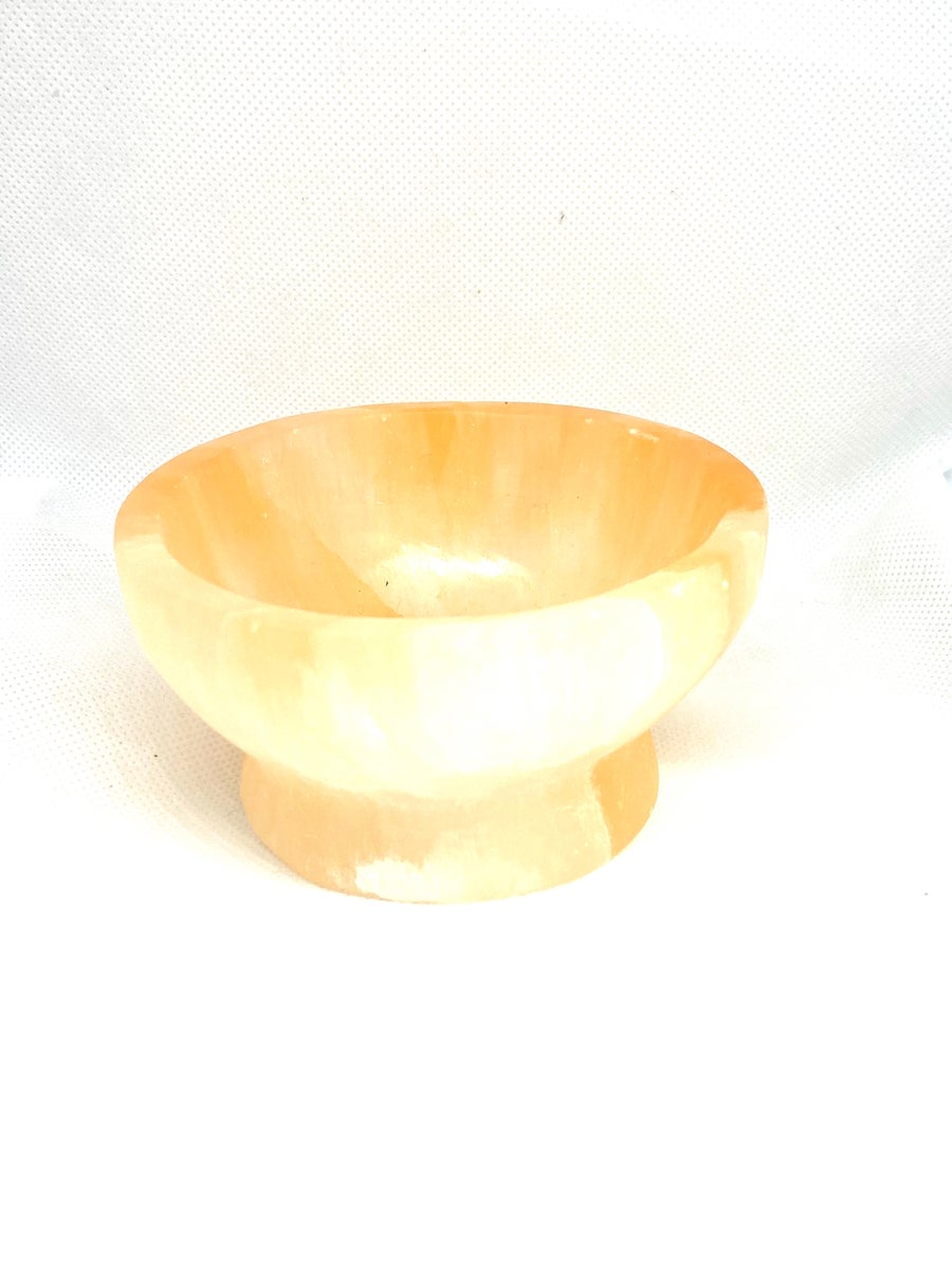 Image of Selenite charging bowl