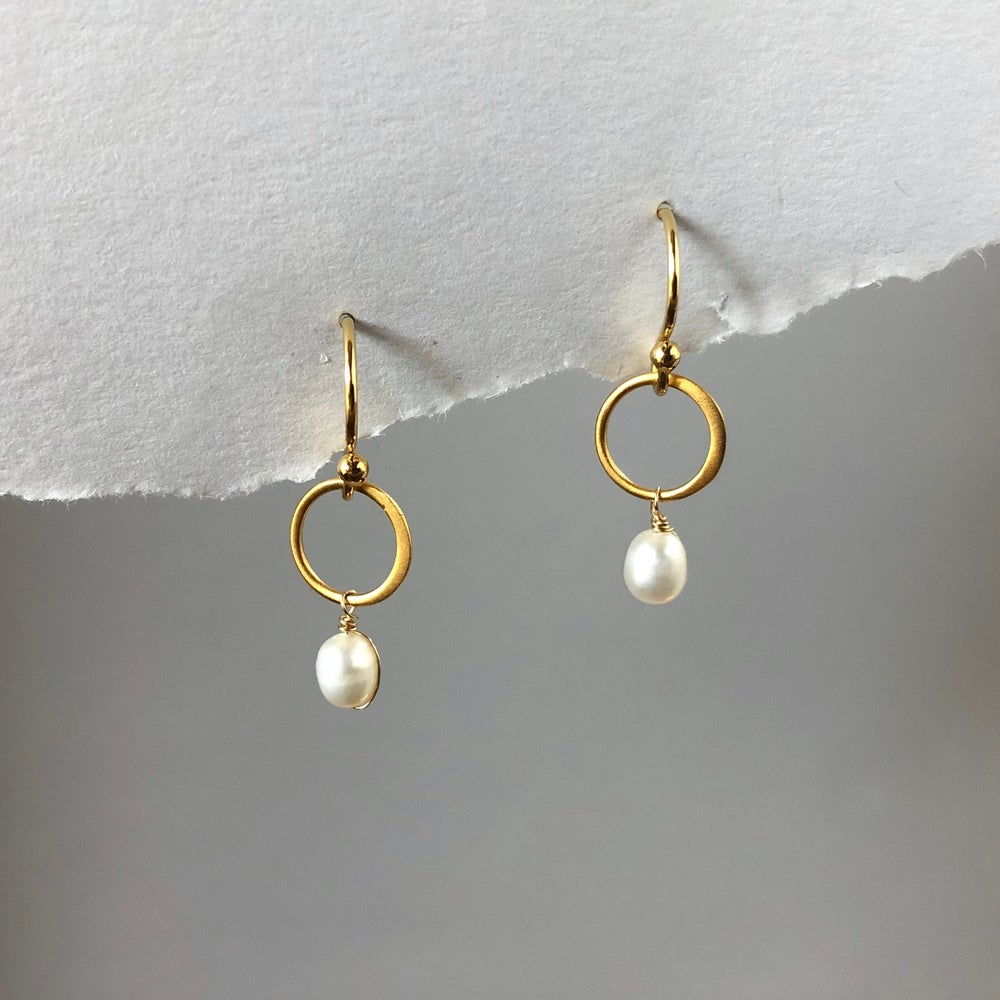 Image of Gold Open Circle Dangle Earrings
