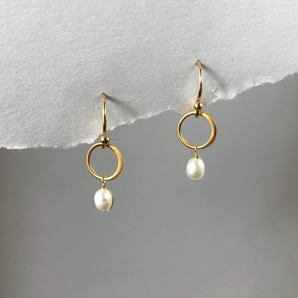 Image of Gold Open Circle Dangle Earrings