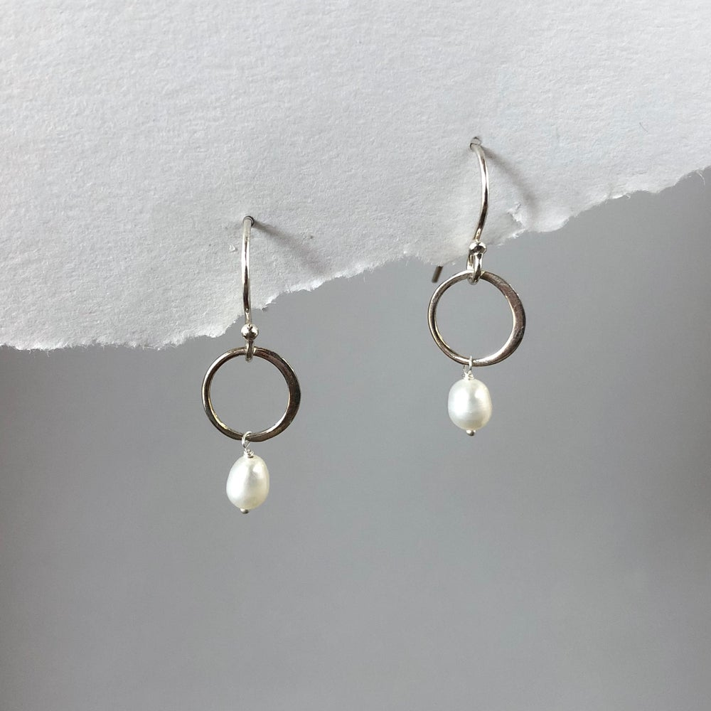 Image of Silver Open Circle Dangle Earrings